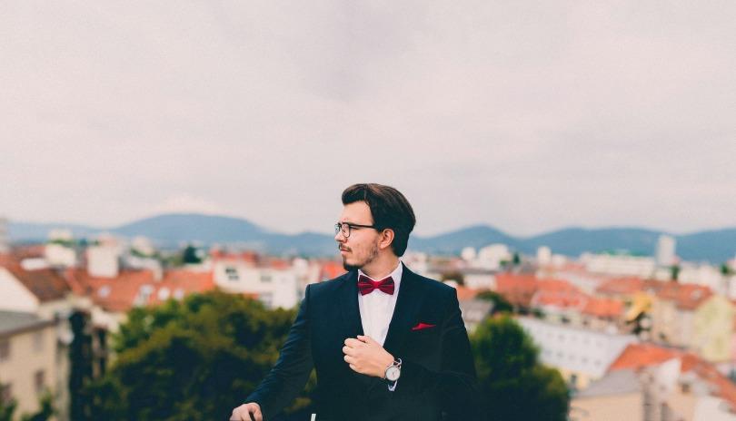 suit-691849_1920